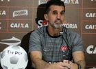 Mancini elogia Vitória, mas avisa: 'não pode empolgar, achar que está bom'